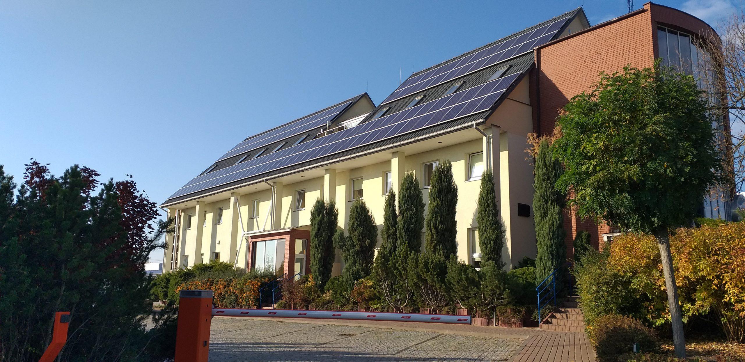 Słoneczne dachy...